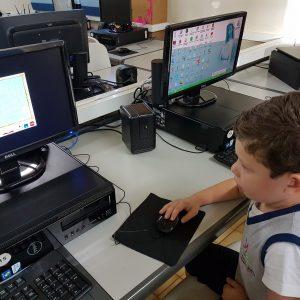 Pré-13 aula de informática