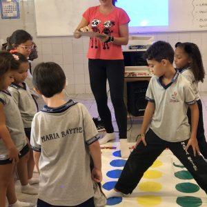 Bilíngue - aulas bem dinâmicas